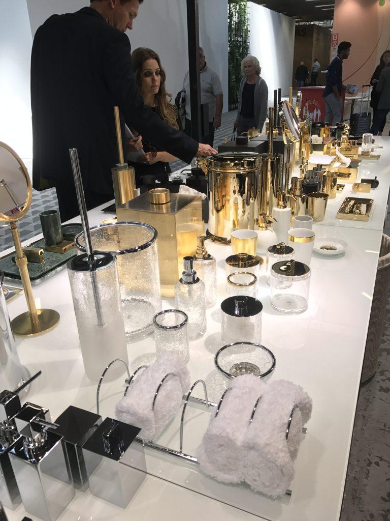 Der Designer Torsten Müller ist als Trendscout auf allen europäischen Lead-Design-Messen von London, Amsterdam, Paris, Bologna bis Mailand unterwegs.