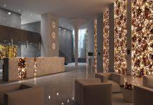 Strahlender Luxus im Eingangs- und Servicebereich