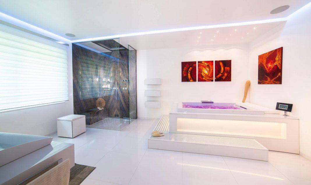 Luxus-Bad – Trendstudie: Badarchitektur-Purismus mit ...