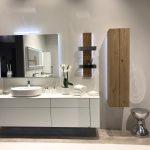 Hülsta Designmöbel jetzt auch für das Badezimmer Die bekannten Möbellinien Tetrim und Gentis können jetzt auch im Badezimmer zum Einsatz kommen. Tetrim sorgt für wohnlich-elegantes bzw. puristisch-markantes Bad-Ambiente, Gentis für natürliches Wellness-Wohlfühlen. Die beiden Design-Serien bieten, z.B. durch Push-to-Open-Technik, durchdachte Funktionalität und steigern so den Bad-Komfort.
