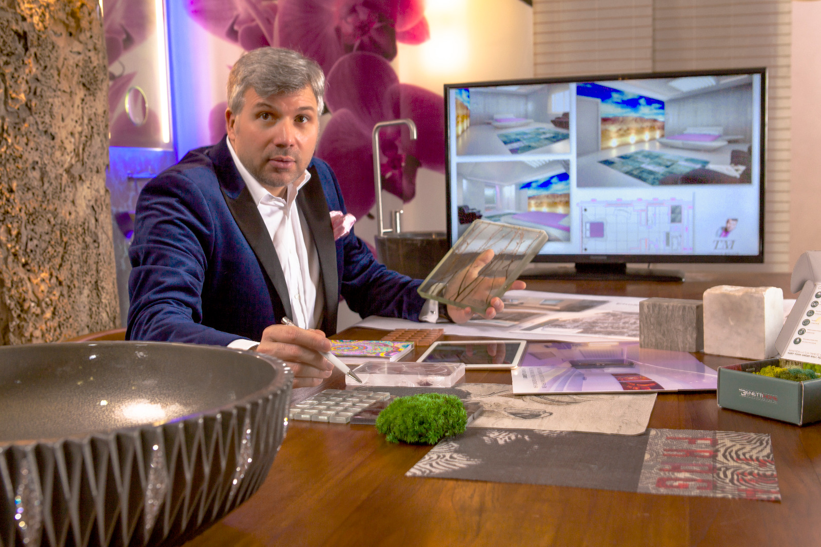 Designer Torsten Müller bei der Arbeit